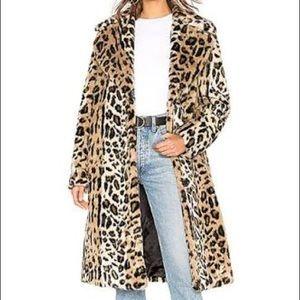 Kendall and Kylee leopard fur coat